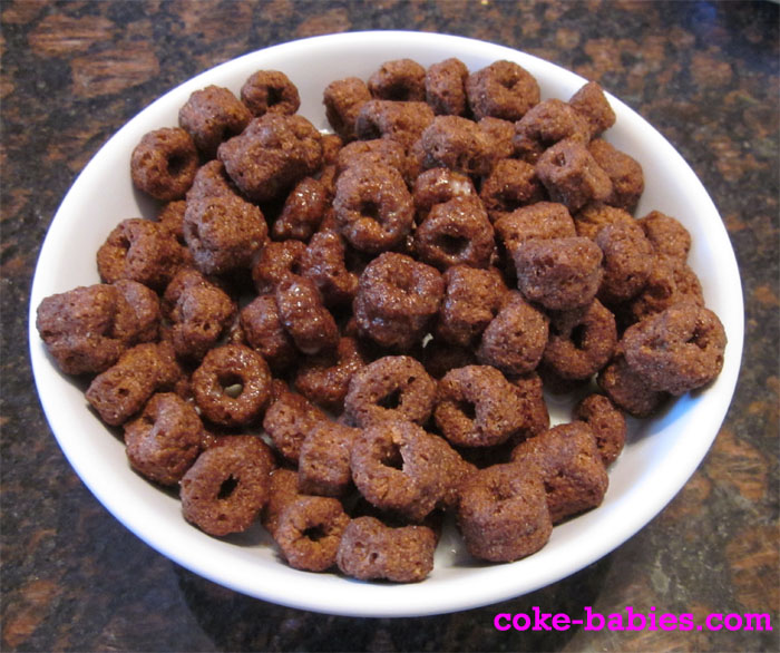 Cereal Review: Chocolate Lucky Charms & Good Morenings